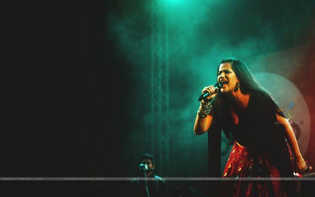 346261-sona-mohapatra-performs-at-iim-bangalore.jpg